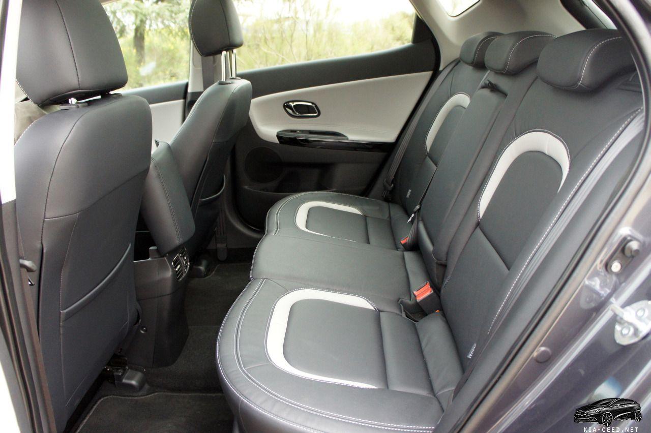 kia ceed в последнем кузове задние сиденья